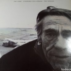 Discos de vinilo: THE CURE STANDING ON A BEACH THE SINGLES. Lote 179032095
