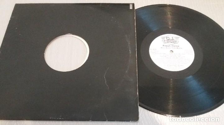 Discos de vinilo: FRESH FORCE / WHO RUNS THIS MUTHA / MAXI-SINGLE 12 INCH - Foto 2 - 179054425