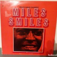 Discos de vinilo: MILES DAVIS QUINTET - MILES SMILES. Lote 179119500