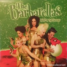 Discos de vinilo: THE BARBARELLAS QUEEN OF THE GALAXY (10 PULGADAS) . PUNK ROCK AND ROLL GARAGE GLAM RUNAWAYS. Lote 179150856