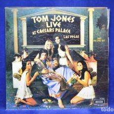 Discos de vinilo: TOM JONES - LIVE AT CAESAR´S PALACE -2 LP. Lote 179152687