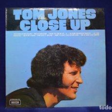 Discos de vinilo: TOM JONES - CLOSE UP - LP. Lote 179152772