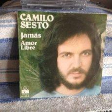 Discos de vinilo: CAMILO SESTO - JAMAS - AMOR LIBRE (2 TRACKS)/ SINGLE DE VINILO AÑO 1975 MADE IN SPAIN. Lote 179181428