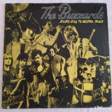 Discos de vinilo: THE BUZZARDS - JELLIED EELS TO RECORD DEALS. Lote 180042147