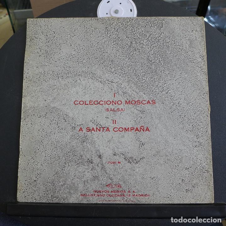 Discos de vinilo: GOLPES BAJOS - MAXI SINGLE COLECCIONO MOSCAS - A SANTA COMPAÑA - Foto 2 - 180100013