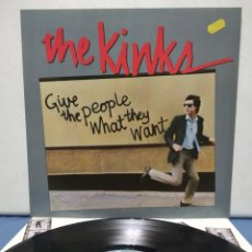 Discos de vinilo: THE KINKS - GIVE THE PEOPLE WHAT THEY WANT 1981 ED ALEMANA CON ENCARTE. Lote 180150018