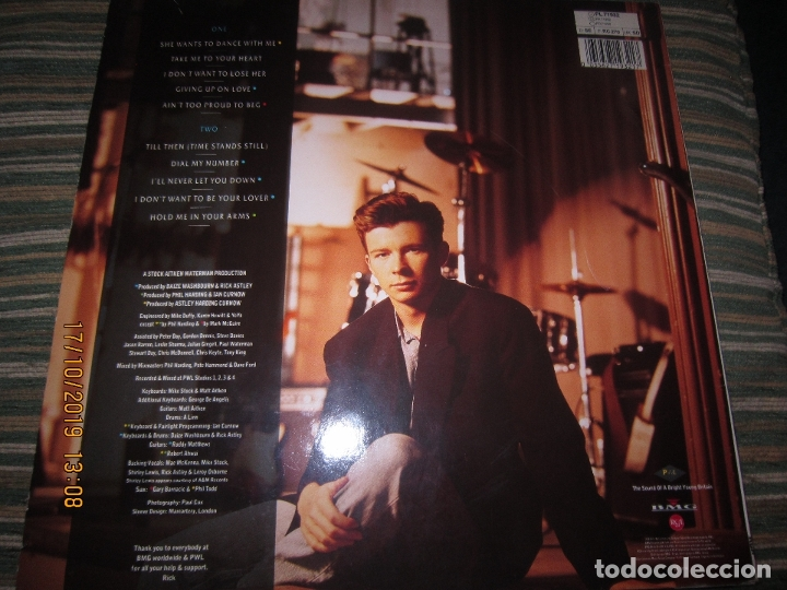 Discos de vinilo: RICK ASTLEY - HOLD ME IN YOUR ARMS LP`- ORIGINAL ALEMAN - RCA 1988 MUY NUEVO CON FUNDA INT. ORIGINAL - Foto 19 - 180275443