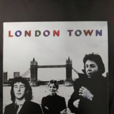 Discos de vinilo: PAUL MCCARTNEY & WINGS (LP) LONDON TOWN AÑO 1978 – ENCARTE INTERIOR + POSTER DESPLEGABLE BEATLES. Lote 180838620