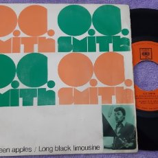 Discos de vinilo: O.C. SMITH. LITTLE GREEN APPLES/LONG BLACK LIMOUSINE. CBS. Lote 181004381