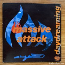 Discos de vinilo: MASSIVE ATTACK // DAYDREAMING // UK . Lote 181221895