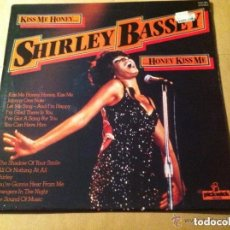 Discos de vinilo: SHIRLEY BASSEY - KISS ME HONEY. Lote 182377657