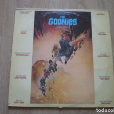 Discos de vinilo: THE GOONIES. ENCARTE CON FOTOS.. Lote 182464065