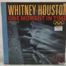 Discos de vinilo: MAXI SINGLE - WHITNEY HOUSTON / ONE MOMENT IN TIME / ARISTA 3A 611613. Lote 182485233