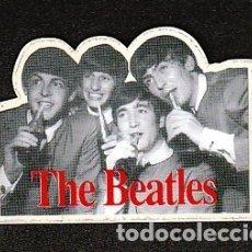 Discos de vinil: THE BEATLES: PEGATINA ANTIGUA COCA COLA- ADHESIVA PLASTICA-. Lote 182494501