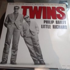 Discos de vinilo: TWINS. BSO. PHILIP BALEY, LITTLE RICHARD. Lote 182542370