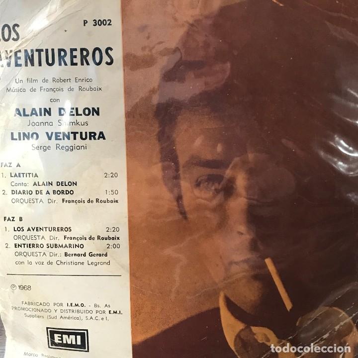 Discos de vinilo: EP argentino de la película Los aventureros año 1966 - Foto 2 - 148844870