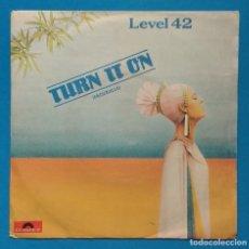 Discos de vinilo: LEVEL 42 - TURN IT ON. Lote 183321167