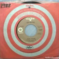 Discos de vinilo: TEX RITTER. BLOOD ON THE SADDLE/ HIGH NOON. CAPITOL, USA 1952 RE SINGLE. Lote 183624550