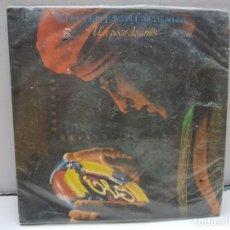 Discos de vinilo: SINGLE-ELECTRIC LIGHT ORCHESTRA- UN POCO DE AMOR EN FUNDA ORIGINAL AÑO 1979. Lote 183856598