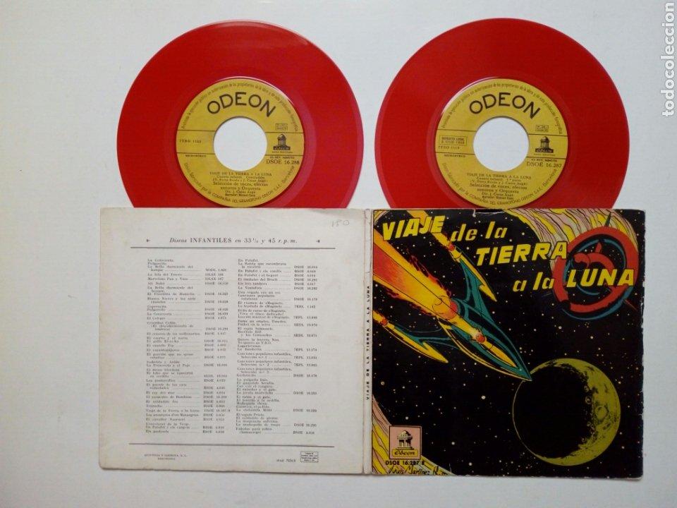 (1959) 2 X SINGLE: VIAJE DE LA TIERRA A LA LUNA (ODEÓN, 1959) 2 DISCOS + CÓMIC, CARPETA DESPLEGABLE (Música - Discos - Singles Vinilo - Otros estilos)