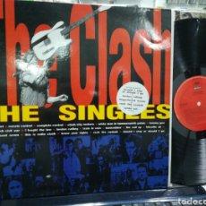 Discos de vinilo: THE CLASH LP THE SINGLES ESPAÑA 1991 EN PERFECTO ESTADO. Lote 184009786