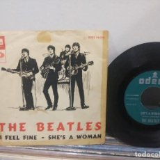 Discos de vinilo: SINGLE THE BEATLES I FEEL FINE ORIGINAL DISCO EN BUEN ESTADO PORTADA CON MUCHO USO. Lote 184030965