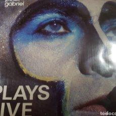 Discos de vinilo: PETER GABRIEL PLAYS LIVE DOBLE LP. Lote 184031460