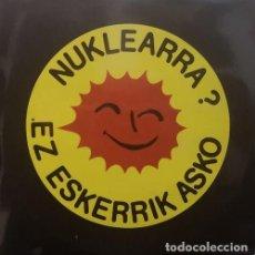 Discos de vinilo: NUKLEARRA EZ ESKERRIK ASKO - DOBLE LP CANTADO EN EUSKERA #. Lote 184036191