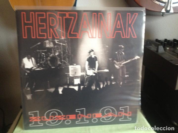 Discos de vinilo: HERTZAINAK -ZUZENEAN 1991 / DOBLE LP (2LPS) AKETO 1991- NUEVO SIN USAR - Foto 2 - 184172395