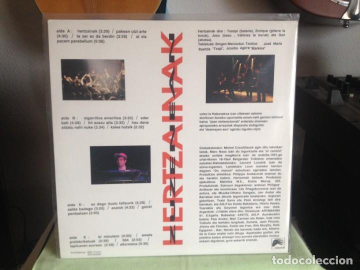 Discos de vinilo: HERTZAINAK -ZUZENEAN 1991 / DOBLE LP (2LPS) AKETO 1991- NUEVO SIN USAR - Foto 3 - 184172395
