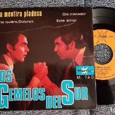Discos de vinilo: LOS GEMELOS DEL SUR - EP. UNA MENTIRA PIADOSA. AÑO. 1.968. EDITADO POR MARFER. Lote 184364662