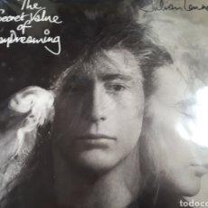 Discos de vinilo: JULIAN LENNON THE SECRET VALUE OF DAY DREAMING HIJO DEL GUITARRA DE THE BEATLES LOT. B101. Lote 184795341