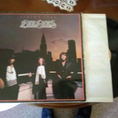 Discos de vinilo: BEEGEES LIVING EYES. Lote 186016505