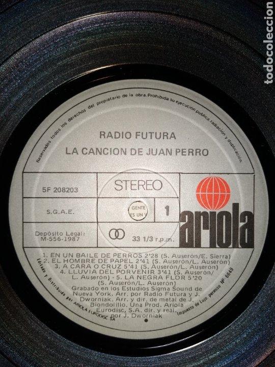 Discos de vinilo: Radio futura LP.buen estado. - Foto 2 - 186215137