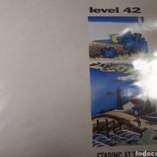 Discos de vinilo: LEVEL 42 STARING AT THE SUN. Lote 186261100