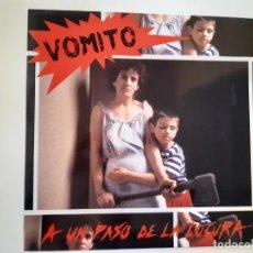 Discos de vinilo: VOMITO. A UN PASO DE LA LOCURA - LP 1990 + LIBRETO + ENCARTE- DISCOS SUICIDAS- COMO NUEVO.. Lote 186385155