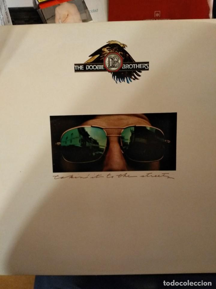 THE DOOBIE BROTHERS - TAKIN' IT TO THE STREETS (Música - Discos - LP Vinilo - Rock & Roll)