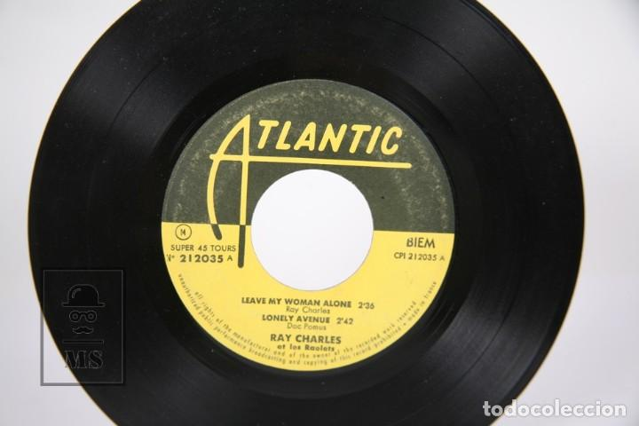 Discos de vinilo: Disco EP De Vinilo - Ray Charles / Leave My Woman, Alone... - Atlantic - Francia - Foto 2 - 187329817
