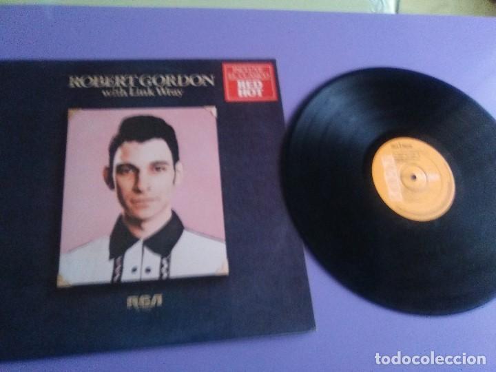 LP DE ROBERT GORDON WITH LINK WRAY GUITAR. RED HOT.SELLO RCA PL 13296.SPAIN.1980. (Música - Discos de Vinilo - EPs - Rock & Roll)