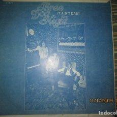 Discos de vinilo: THREE DOG NIGHT - IT AIN´T EASY LP - ORIGINAL KOREA - ACADEMY RECORDS 1970 - . Lote 187921715