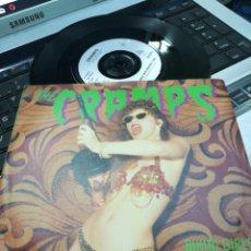 Disques de vinyle: THE CRAMPS SINGLE BIKINI GIRLS WITH MACHINE GUNS 1990. Lote 188417046
