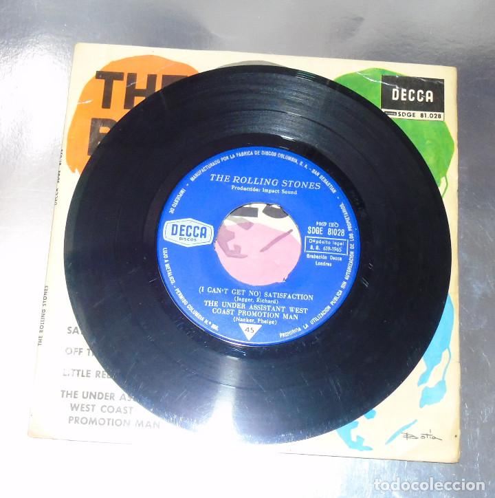 Discos de vinilo: THE ROLLING STONES --SATISFACTION & OFF THE HOOK & LITTLE RED ROOSTER -- AÑO 1965 - Foto 3 - 161014666