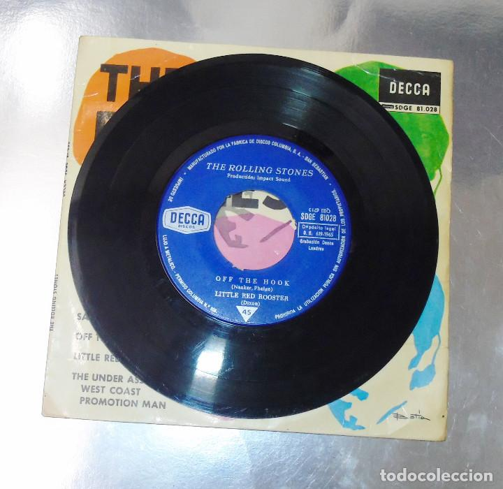 Discos de vinilo: THE ROLLING STONES --SATISFACTION & OFF THE HOOK & LITTLE RED ROOSTER -- AÑO 1965 - Foto 5 - 161014666