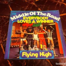 Discos de vinilo: SINGLE / EP. MIDDLE OF THE ROAD. EVERYBODY LOVES A WINNER. FLYING HIGH. 1976, ESPAÑA. Lote 188741336