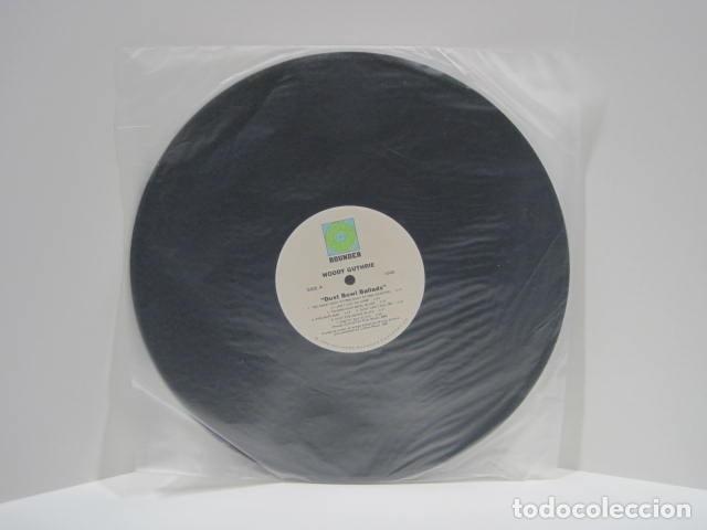 Discos de vinilo: WOODY GUTHRIE.DUST BOWL BALLADS. 14 CANCIONES. VIGILANTE MAN, PRETTY BOY FLOYD. 1988.ROUNDER RECORDS - Foto 5 - 189359688