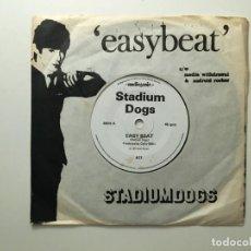 Discos de vinilo: STADIUM DOGS ?– EASY BEAT - ANDROID ROCKER - MEDIA WITHDRAWAL UK 1977 AUDIOGENIC. Lote 189786116