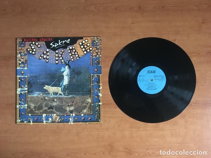 SAKRE - BIZITAKO GAUZAK (1978 ELKAR) (Música - Discos - LP Vinilo - Grupos Españoles de los 70 y 80)