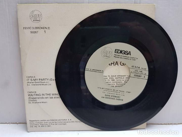 Discos de vinilo: SINGLE-DAVE STEWART-ITS MY PARTY en funda original año 1981 - Foto 3 - 190016371