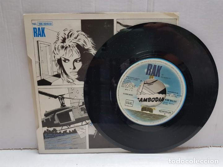 Discos de vinilo: SINGLE-KIM WILDE-CAMBODIA en funda original año 1982 - Foto 3 - 190016485