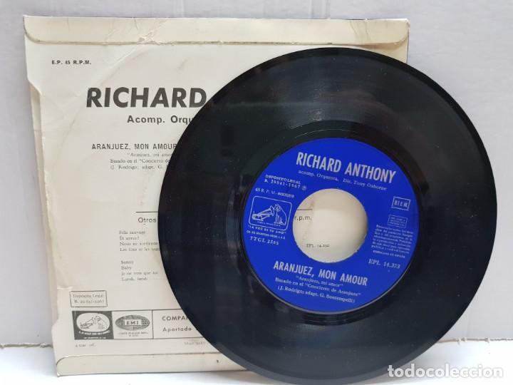Discos de vinilo: SINGLE-RICHARD ANTHONY-ARANJUEZ ,MON AMOUR en funda original año 1967 - Foto 3 - 190017053